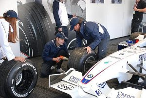 f1 pit crew